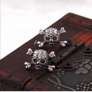 Jewelry - Skull 💀 earrings